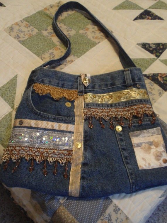 jean purse (smb: this would be a great showcase for all of those hoarded, I mean, saved, trim scraps.)