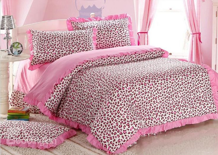 pink cheetah print bedroom photo - 15