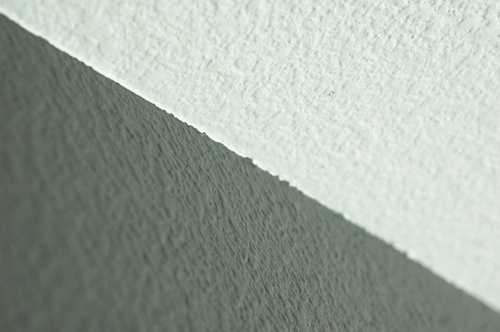 How to paint a clean ceiling line.