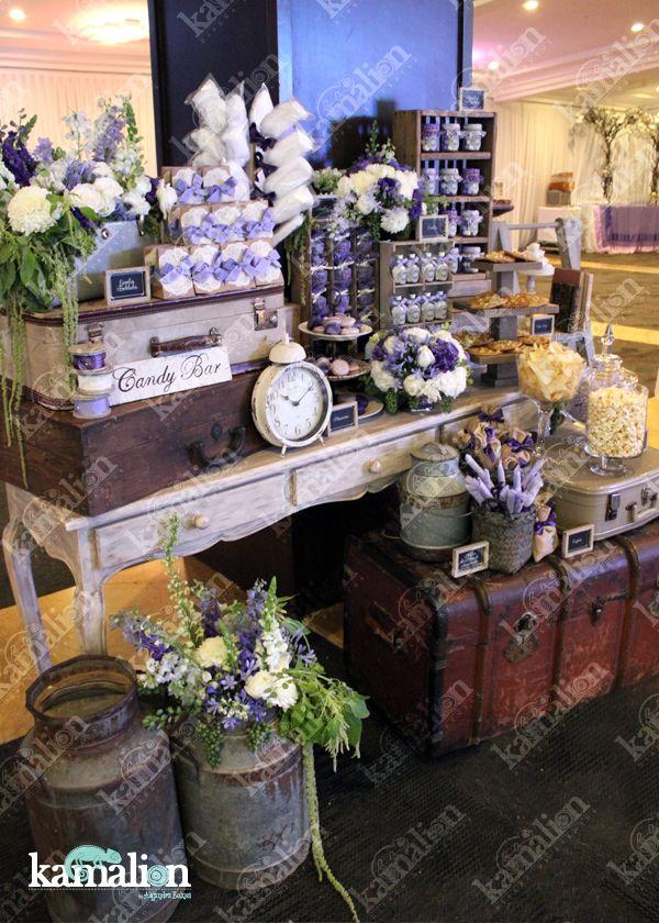 www.kamalion.com.mx - Mesa de Dulces / Candy Bar / Lila / Morado / Lilac / Purple / Vintage / Rustic Decor / Flores / Decoración / Baúl / Maletas / Evento / Lecheros / Quince años.