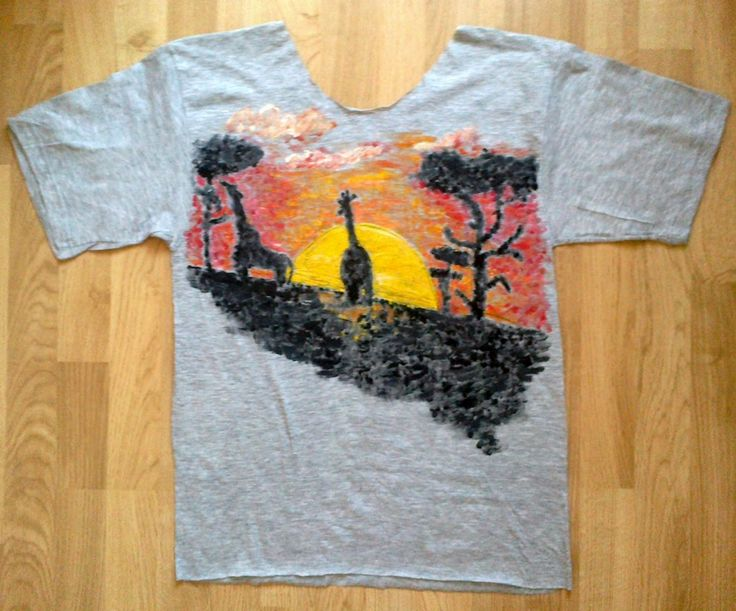Giraffe painted on t-shirt