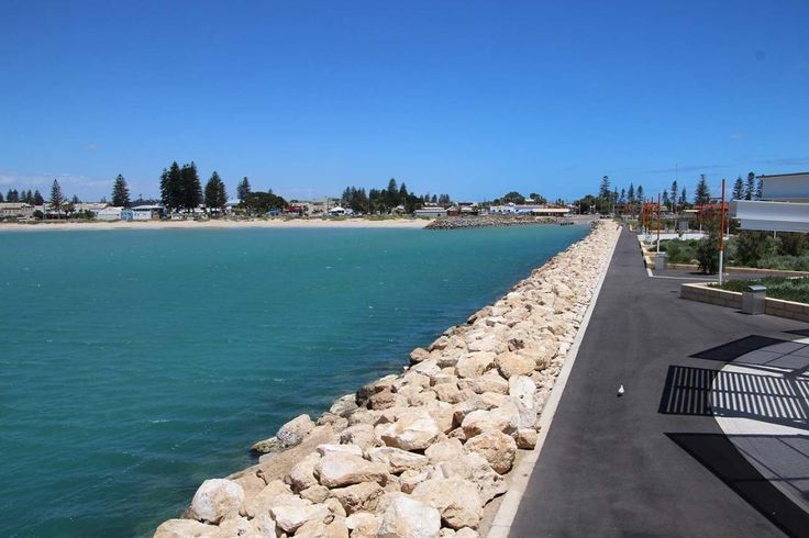 Geraldton Esplanade Geraldton WA is now available on RvTrips. For comments & tips go to: