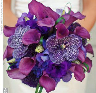 purple wedding bridal bouquets, bridesmaid bouquets, centerpieces