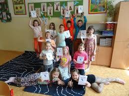 Výsledek obrázku pro spousta dětí s úsměvem