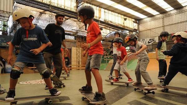 Skateboarding:De la calle al club: el skate está de moda y ahora se impone como deporte – AdriBosch's Magazine
