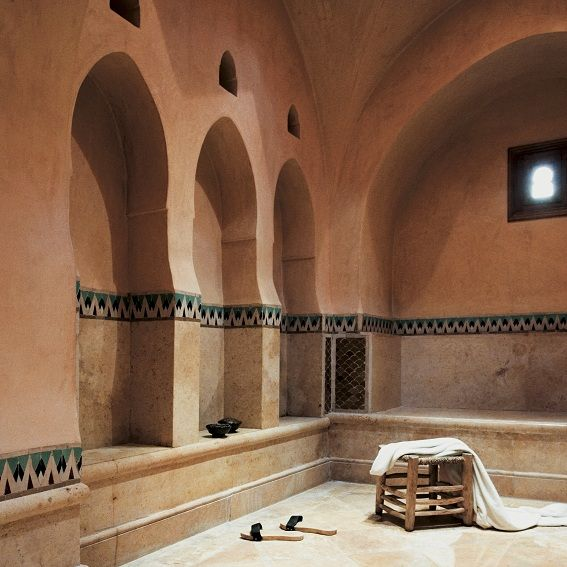 Get ready for a real hammam in a roman and oriental style bath like in the ancient times