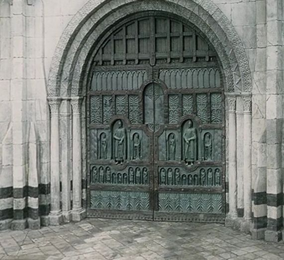 Main Gate of Minas Tirith - The One Wiki to Rule Them All - Wikia More