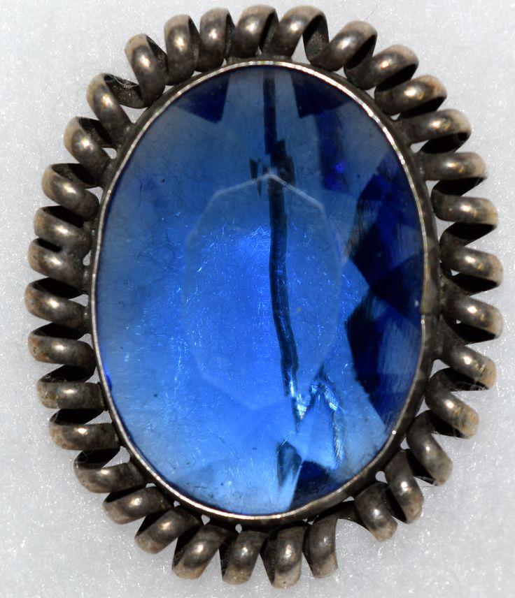 Antique Oval Czecho Slovaskia Brooch Pin