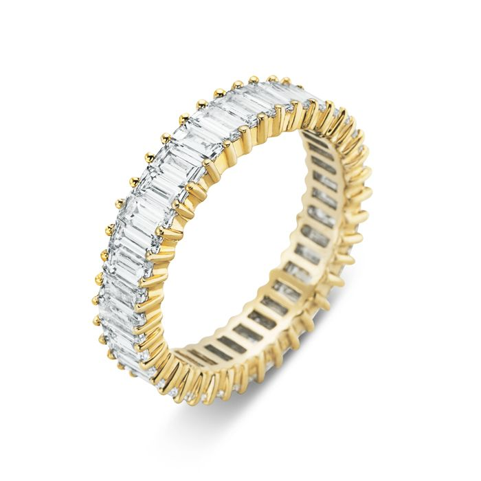 Rosendorff Baguette Circle of Love Ring crafted in 18ct yellow gold