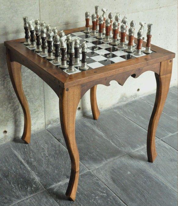 オリジナルデザインによるチェスセット。サイズ880×700×700mm素材は錫、木材(ウォールナット、黒檀ほか)、大理石(ビアンコカラ... ハンドメイド、手作り、手仕事品の通販・販売・購入ならCreema。