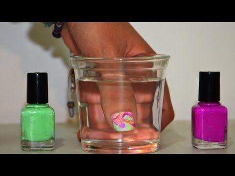 Pintar uñas con agua (Tip para esmaltes espesos)   Tutoriales de Belleza...