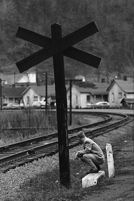 West Virgina 1961  Photo: Constantine Manos