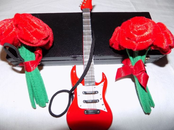"Doll Toy Red Electric Guitar and BABW Roses Bouquets for 14""-17"" Mini Rockstar  #BuildABearWorkshop #AllOccasion"