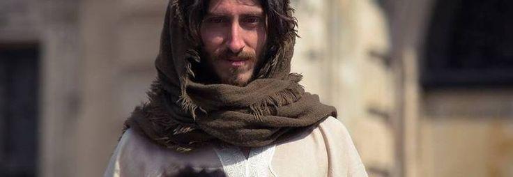 TORINO E' stato fermato ben cinque volte dalla polizia: Gesù è stato fermato dalle autorità. Peril web è già divenatto una celebrità: