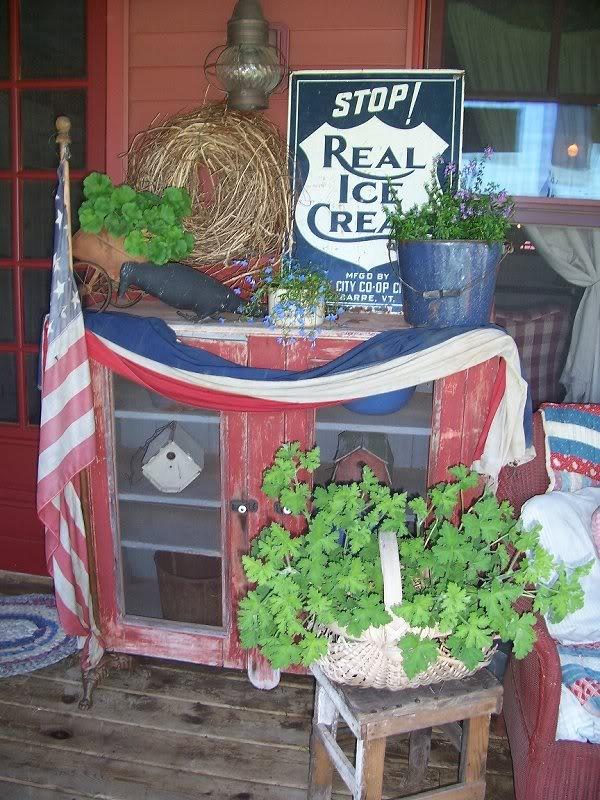Primitive Americana Porch Decor...