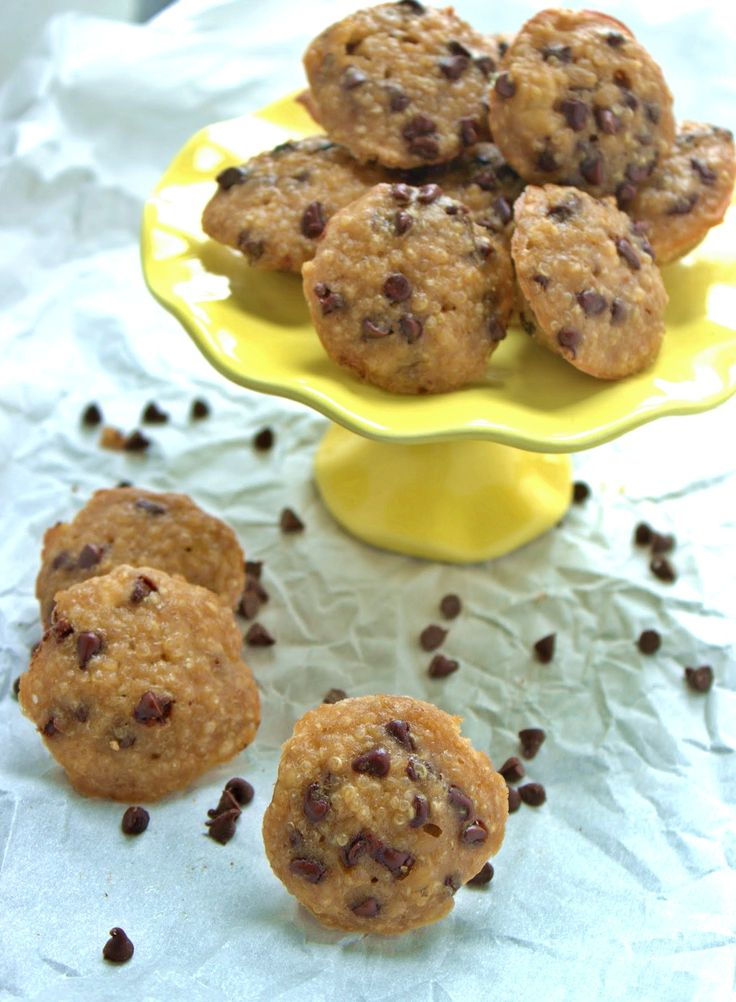 Peanut Butter & Banana Quinoa Bites with Chocolate Chips