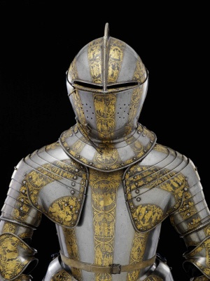 Beautiful suit of armour.