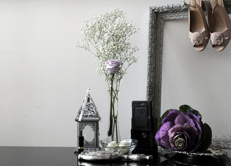 Silver, pastels and ivory - ask us about our unique jewellery, accessories and vintage prop rentals!