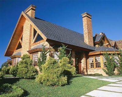 REFORMA CIVIL - CONSTRUÇÕES: Modelos de Telhados O telhado é coberto com telhas planas de ardósia e sua inclinação é de 70%.