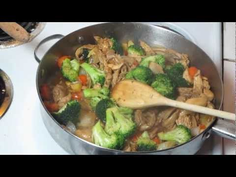 pollo con brocoli, comida china.