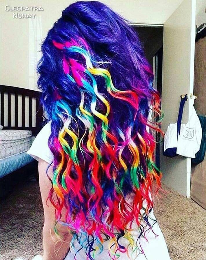 Erstaunliche Regenbogenhaar #rainbowhair #haar #frisuren #haarideas #erstaunlich