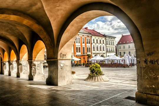 ✔️Tarnow   Poland