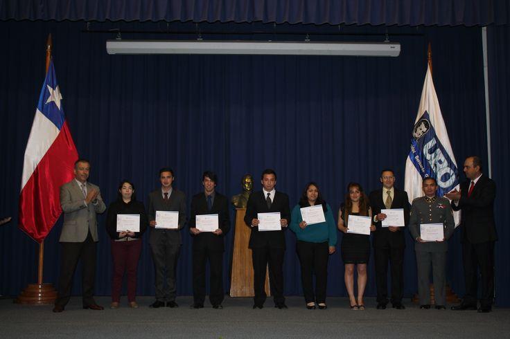 Los mejores estudiantes de su promoción fueron becados en una solemne ceremonia encabezada por el Rector de la casa de Estudios Superiores, Claudio Ruff.