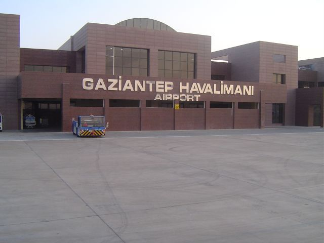 Gaziantep Havalimanı Anlık Uçuş Seferlerini sorgulayabilir, ucuz gaziantep uçak bileti satın alabilirsiniz.