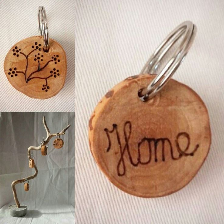 How do you think about this Keyring? The wood burner on one side flowers and put on the other side home . The keyrings are of birch wood processed oil. Also the holder is made by me By F.H.  #key #keyring #sleutelhanger #woodwork #wood #houtwerk #hout #cute #lief #flowers #bloemen #design #designs #home #thuis #styling #stylish #style #styles #sleutel #interior #leeuwarden #friesland #instagramers #sleutel #instagood #concrete #beton #stijl #metal #oil de friesch_hout