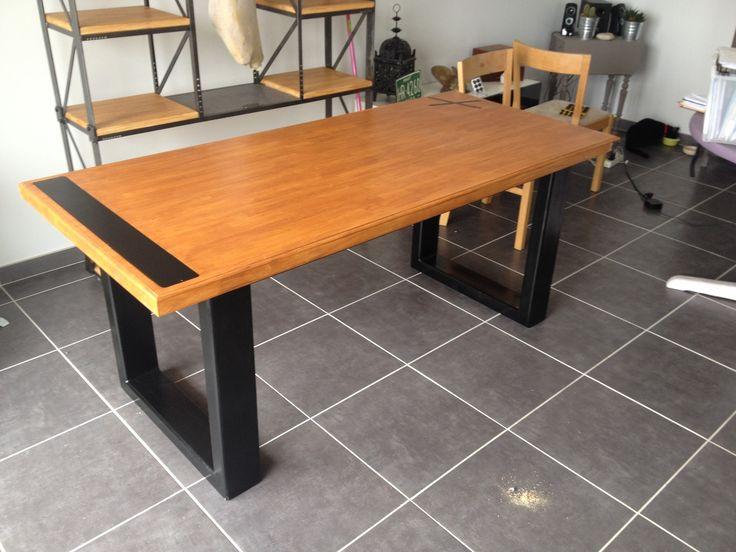 Table a manger plateau bois / acier