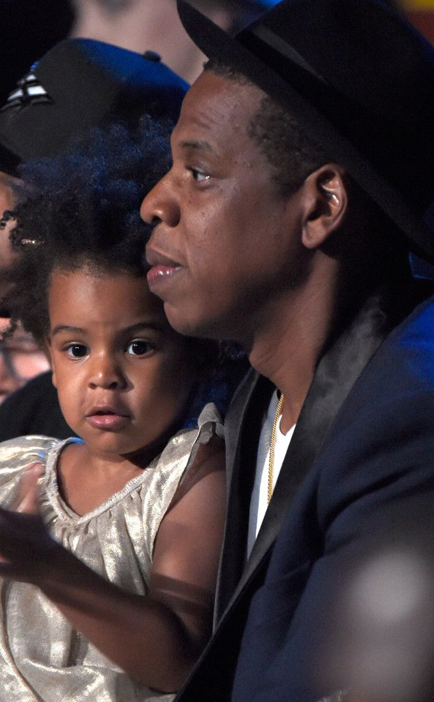 Blue Ivy Dances With Jay Z During Beyonc�'s MTV VMA Performance?See Her Adorable Moves!