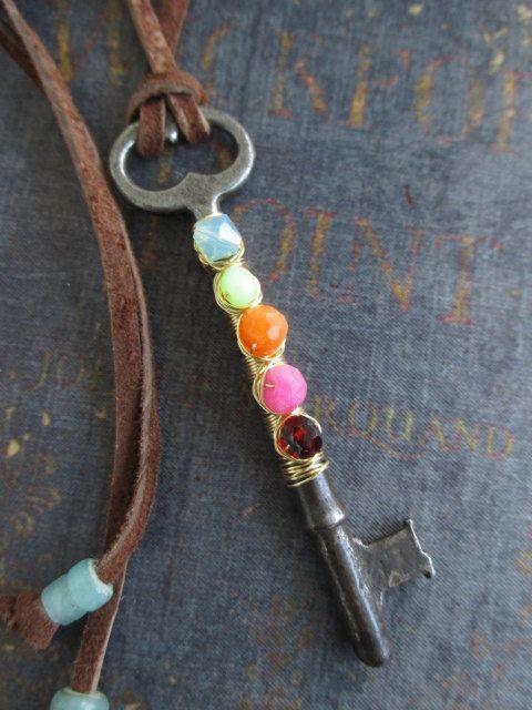 Verkauf antiker Skelettschlüssel bunte Halskette von slashKnots