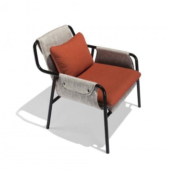 Fletcher Chair - кресло для отдыха с тканевой или кожаной обивкой. Дизайнерское кресло, дизайнерский стул. Современный стиль.
