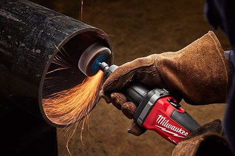Milwaukee brings its M18 power and performance to bear on another tool - you'll want to check out the Milwaukee M18 Fuel 1/4-Inch Die Grinder!   #milwaukeetool #m18 #diegrinder #metalworking #metalshop #shipyard #tools #powertools #cordlesstools  https://www.protoolreviews.com/tools/power/corded/grinders-sanders/milwaukee-m18-fuel-14-inch-die-grinder/28198/