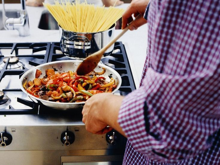 5 MUSCLE-BUILDING, FAT-BURNING STIR-FRY RECIPES  It's nearly impossible to screw up a stir-fry: You throw some veggies, a protein, and a grain like rice or noodles in a hot pan, then move them around with a flavoring agent until they're cooked through.  The ease alone makes the stir-fry a no-brainer if you're not keen to cook in the kitchen or you don't have a lot of time. But best of all, stir-frying can be really healthy.