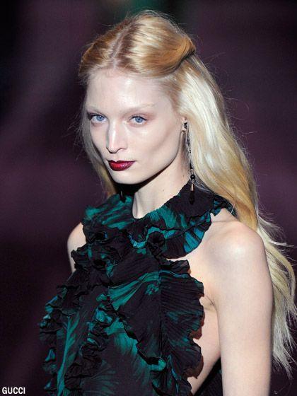 Atemberaubende blonde MILF Sasha Sean