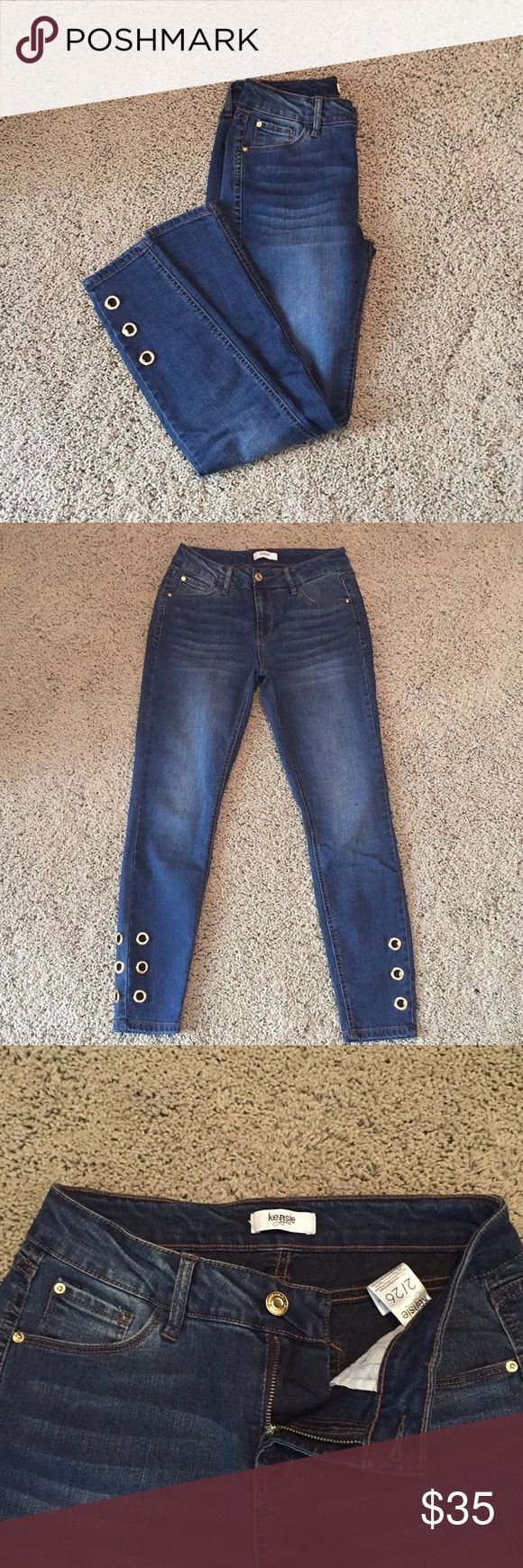 Kensie jeans These size 2/26 Kensie jeans are in perfect unworn condition, took the tags off and never ended up wearing them! So comfortable and perfect fit for my petite legs! Grommets at the bottom add a cute style to your typical pair of jeans! Kensie Jeans Skinny