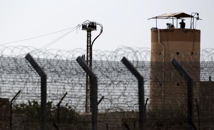 border watchtower - Google zoeken
