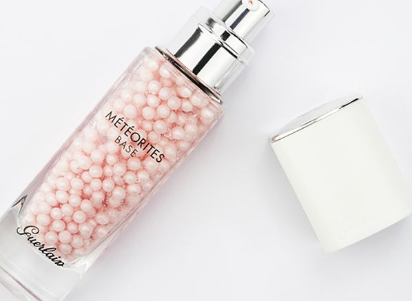Find out why you need the new Guerlain Meteorites Base, a anti-dullness primer for all skin types