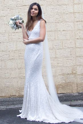 Modern wedding gown by Karen Willis Holmes - 'Antoinette'