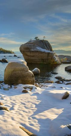 Snow carpeted beach in Lake Tahoe's northern shore