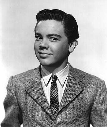 In 1968, two boys playing in a deserted and rat-infested tenement found the body of a 31yo drug addict, surrounded by religious pamphlets and empty beer bottles. Not until 19 months later was the body identified as that of child actor Bobby Driscoll, Academy Award winner and voice of Peter Pan. He was a Lost Boy after all.