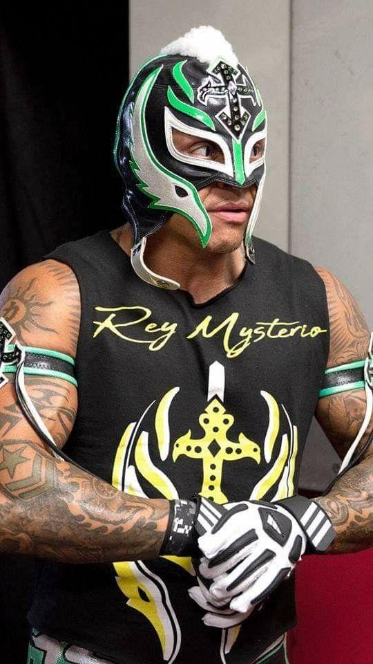 Wwe smackdown live rey mysterio