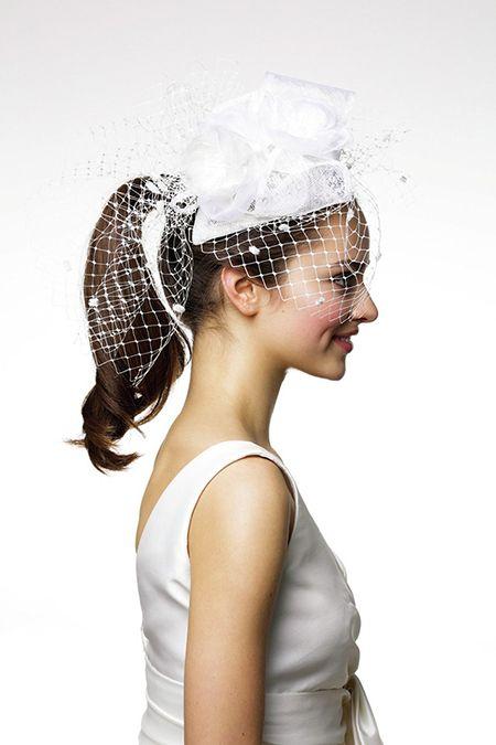 花嫁,ウエディング,ヘア,ポニーテール,アレンジ,高め,美容,ヘッドピース,トーク帽