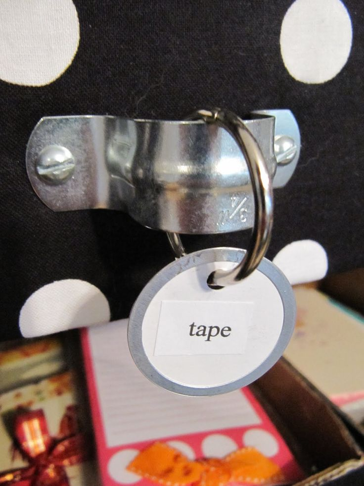 Hang tags dangle from a key ring.: Hardware Stores, Crafts Rooms, Keys Rings, Drawers Pull, Hanging Tags, Pipes Straps, Room Ideas, Rooms Ideas, Drawers Handles