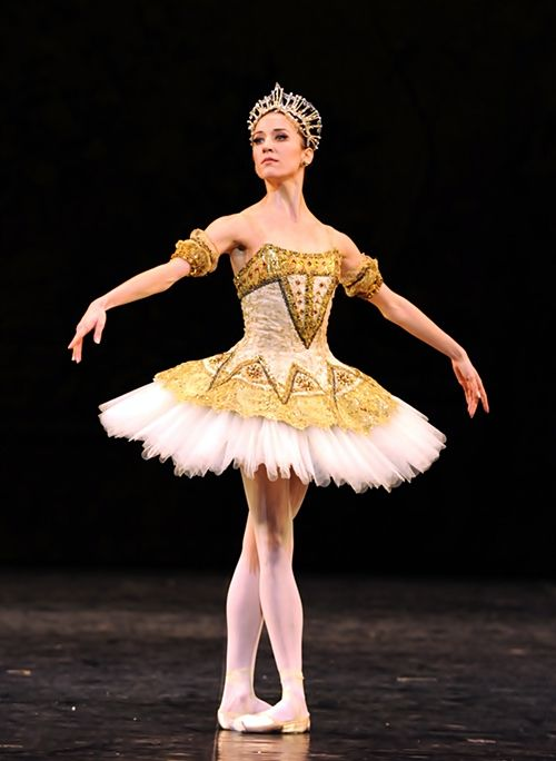 Ludmila Pagliero, étoile dancer of the Paris Opera Ballet. ✯ Ballet beautie, sur les pointes ! ✯