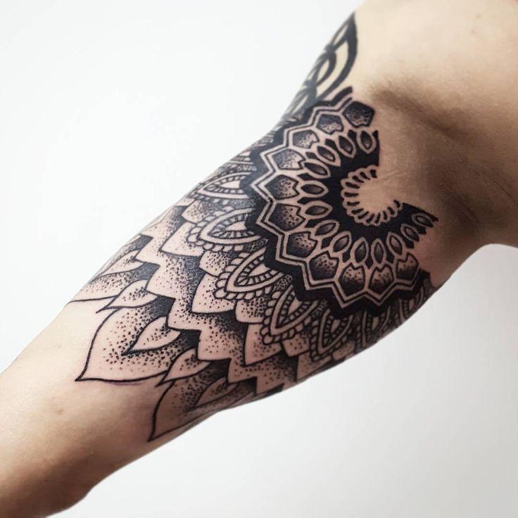 Mandalas (continuación de media manga) Blonde Tattoo Studio Artista Gonzalo #tattoo #tatuaje #piercing #art #ink #elephantstencil #vikingink #tattoajesenfoto #instapic #good #like #like4like #instagram #insta #blonde #blondetattoostudio...