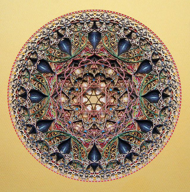 Laser cut paper - Eric Standley is an American artist with many projects. With these series of works of laser cut paper, it offers us images of beautiful compositions.