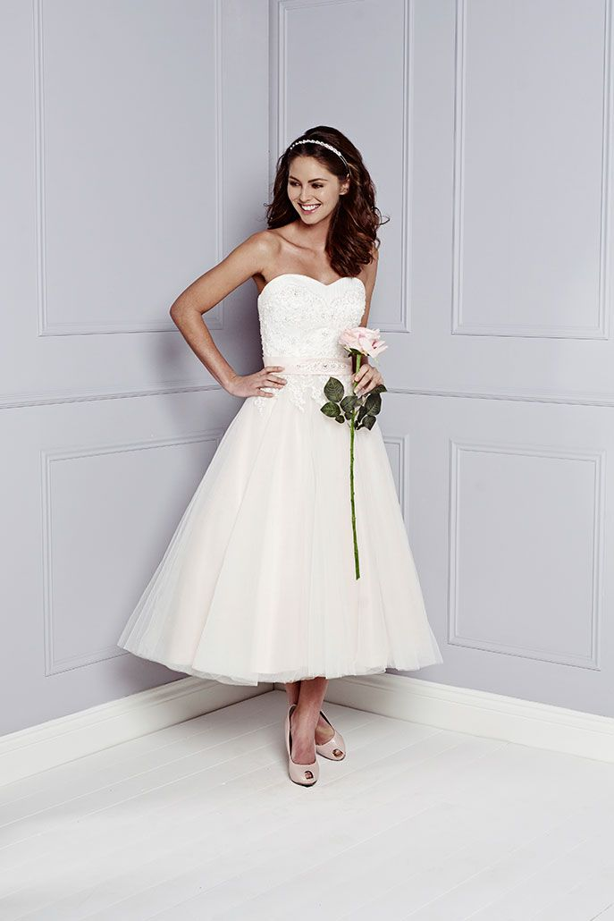 Lovely Reception Wedding Dress with Flared Organza Skirt