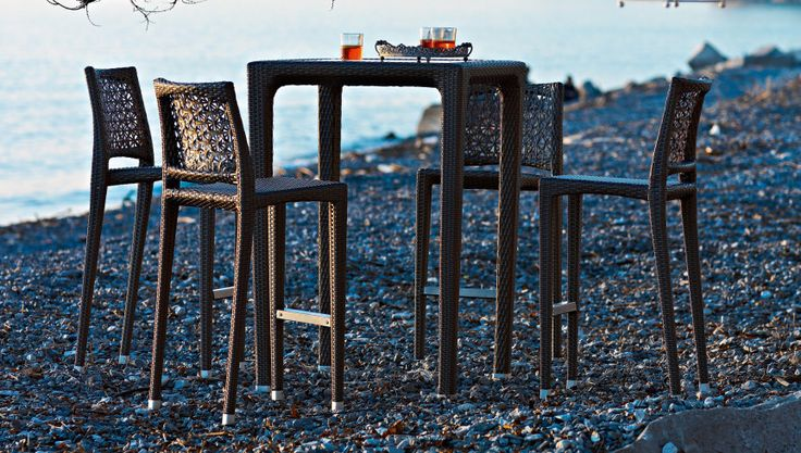 Altea Table and Barstool